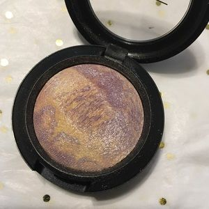 Mac Eyeshadow 'Dare to Bare.'
